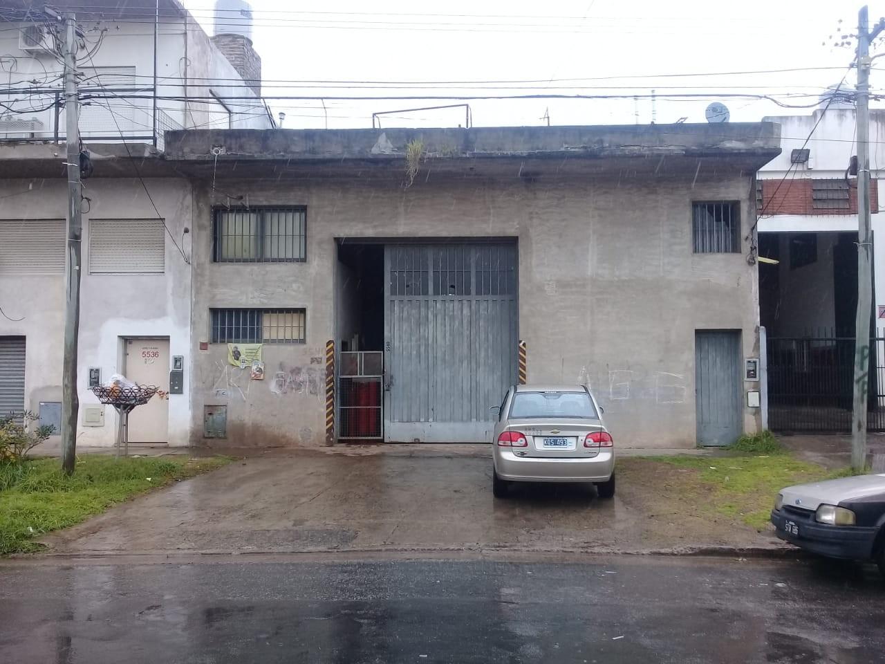 GALPON/DEPOSITO /LOCAL  DE EXCELENTE CALIDAD CONSTRUCTIVA TODO LOSA DE 4.70 M DE ALTURA 300 M2