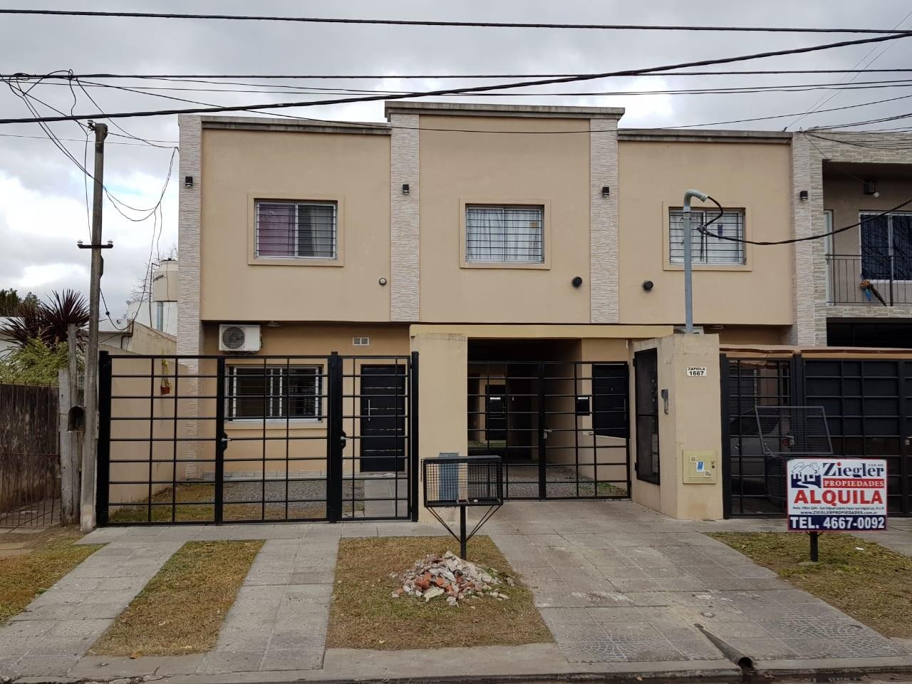 Departamento dos Ambientes Planta baja con Cochera ( San Miguel)